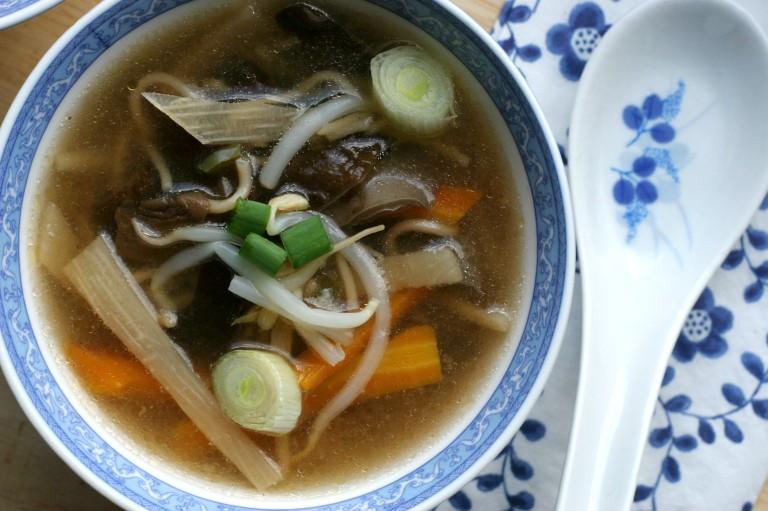ostrokyslá polievka vegan