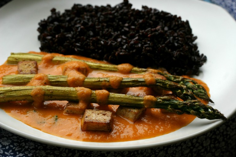 spargla, vegan tofu recept asparagus recipe black rice