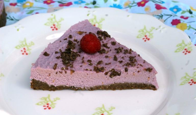 raw malinovy cheesecake